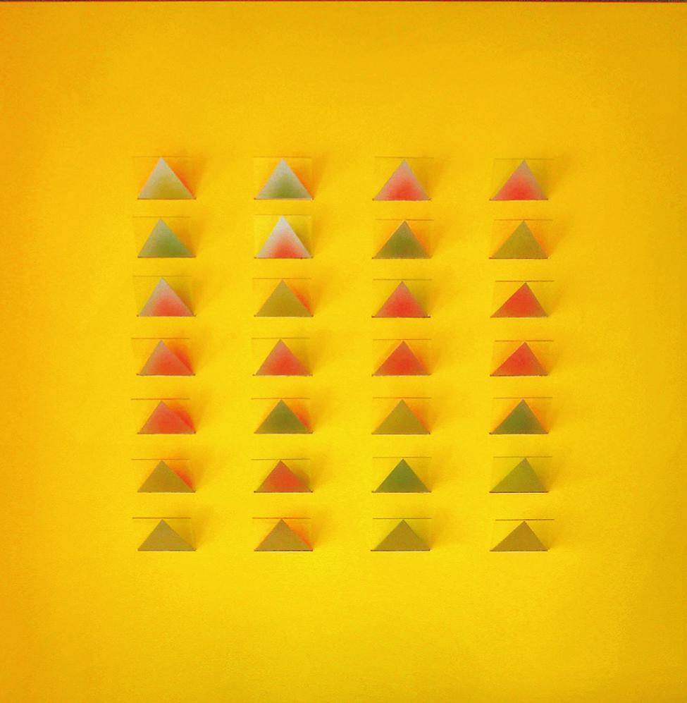 """""""Silberdreiecke mit Farbspiegelung"""" 2014, 70 x 70 x 7 cm, Karton / Glas / Folien"""